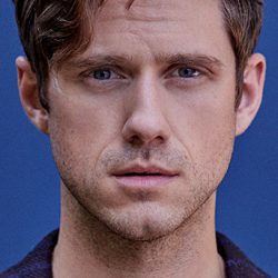 Image of cast member Aaron Tveit