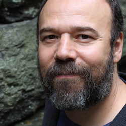 Image of cast member Danny Burstein