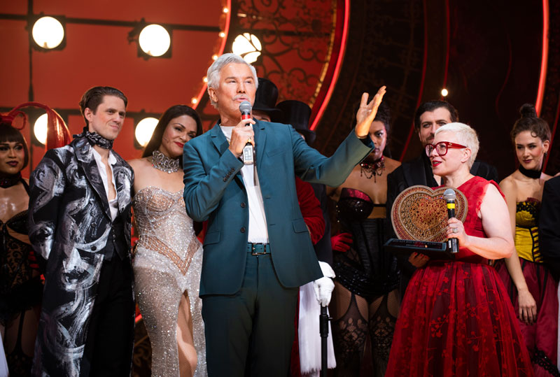 Baz Luhrmann on stage with the cast of Moulin Rouge